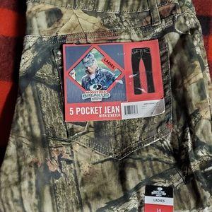 Mossy Oak 5 pocket stretch jeans NWT